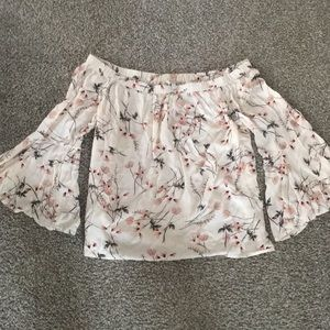 Lucky Brand cream & floral off shoulder top size L